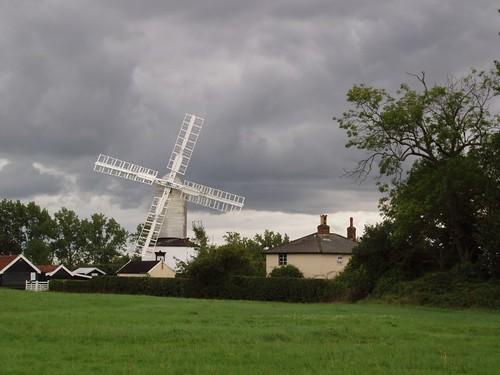 201008270122_Saxtead-Green-mill