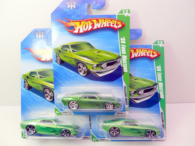 hw 2010 treasure hunt super and regular '69 ford mustang (1)