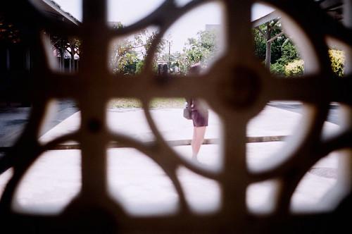 [台東鐵道藝術村]窗外有人