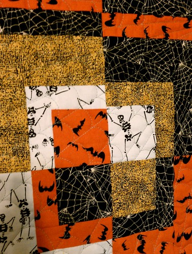 halloween wall hanging - quilting.jpg
