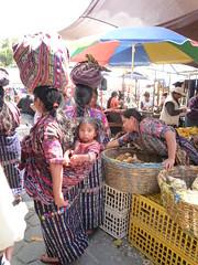 Maedchen im Tragetuch, Markt Solola