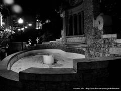 Fonte de água abandonada no Largo da Memória