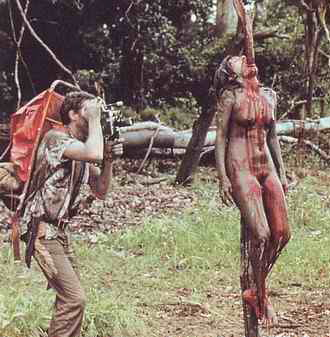 Cannibal Holocaust scene