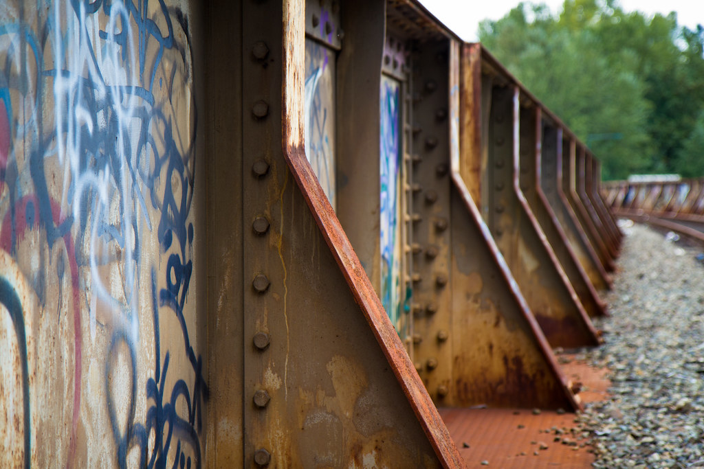 Abandoned train bridge over I-90