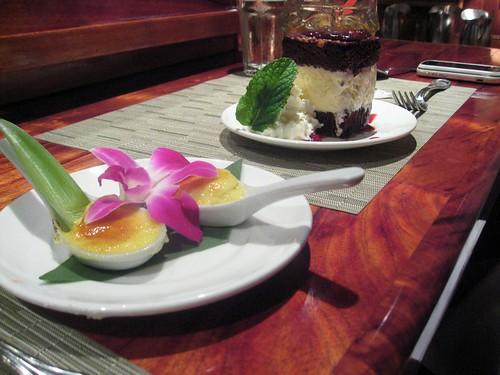 desserts at hula grill