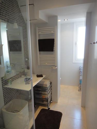 4. Bathroom 1