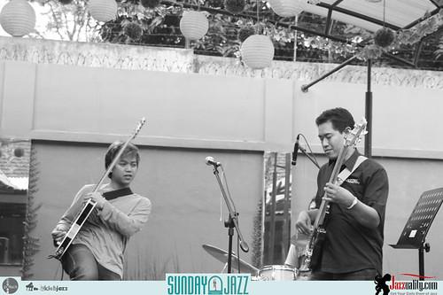 Iman-Brata-Trio-Sunday-Jazz-Oct (3)