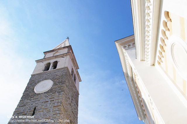 Izola白色系清爽乾淨的教堂,很適合海邊的風景。