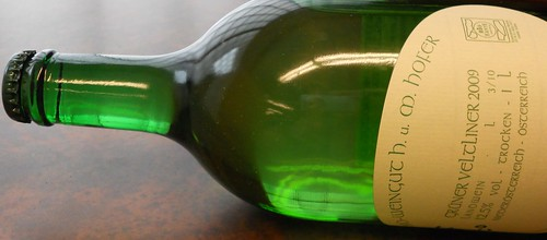 The Hofer Gruner: Bottle Cap Top