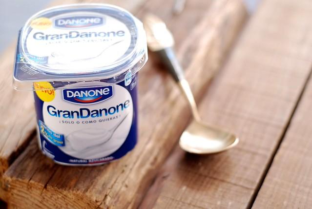 Mousse de yogurt con higos