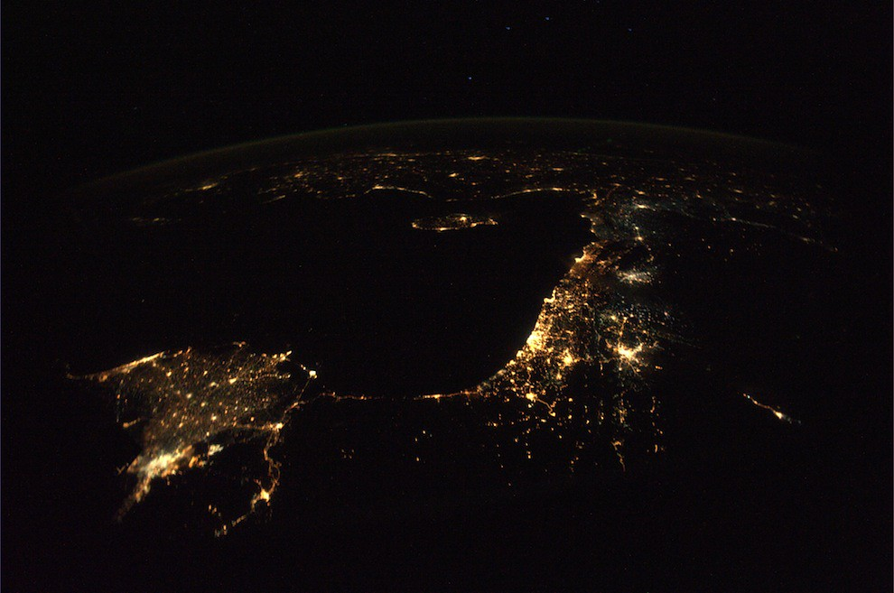 5196972967 2c9961623a b Incredible Space Pics from ISS by NASA astronaut Wheelock [29 Pics]