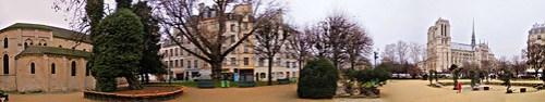 Paris: square Viviani.