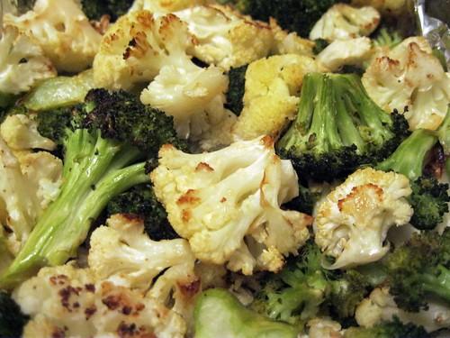Roasted Cauliflower and Broccoli Florets (closer)