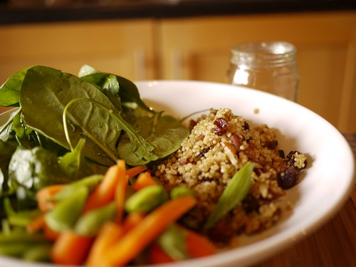 Almondy raisiney quinoa