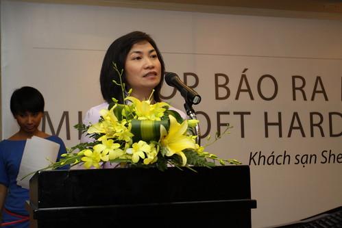 Ba Tran Hoai Phuong Chi - Dai Dien cong ty Dong Nam A - Nha Phan Phoi chinh cua Microsoft tai Vietnam