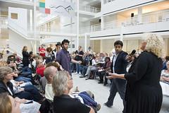 Fietje Schelling (JSO) in debat met jongeren