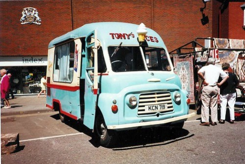 Old ice cream van Walsall (2)