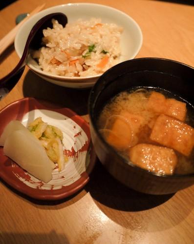 Chicken and vegetable claypot rice