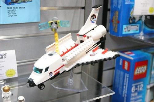 LEGO Toy Fair 2011 - City - 3367 Space Shuttle - 2