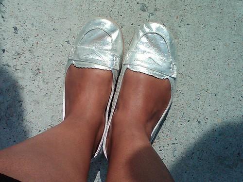Shoe staples