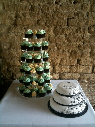 Cirencester Cupcakes - Alexa & Mark's Wedding Cupcakes