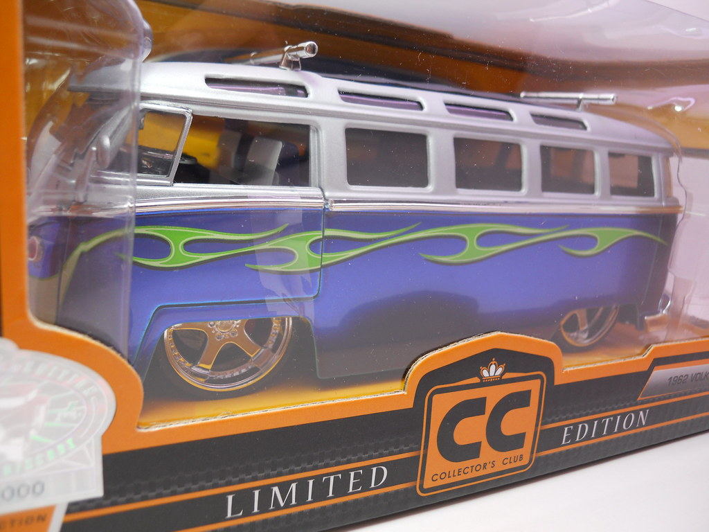 jada toys 1962 volkswagen bus collectors club (2)