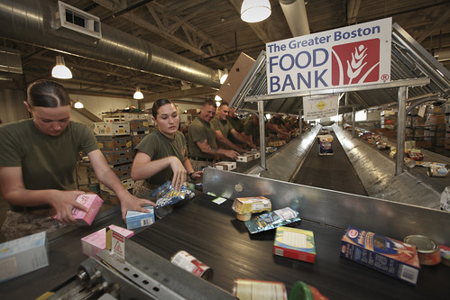 Marines volunteer at food bank