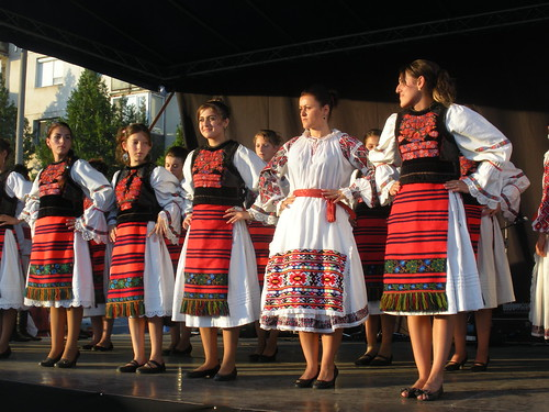 Romanian dancers in Arad