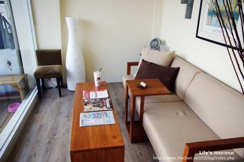 古曼旅店的客廳,沒有櫃台,就一個客廳可以讓旅客共享。