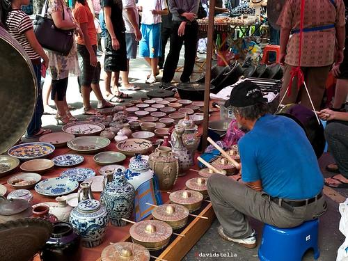 old things, new sounds, gongs, gamelan. Gaya street, Kota Kinabalu.