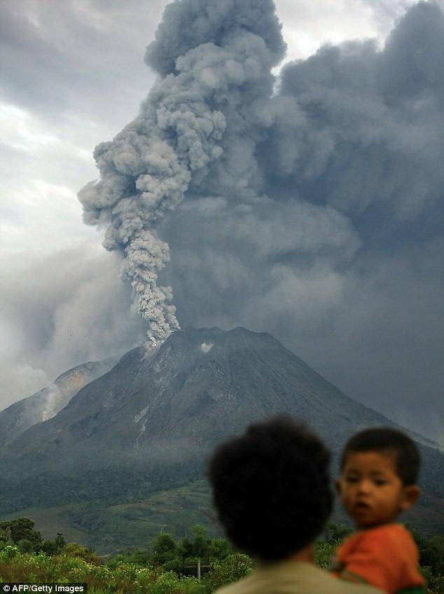 Foto-foto Letusan Gunung Sinabung