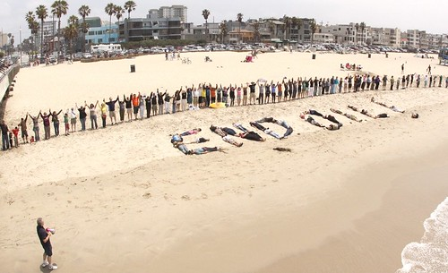 Hands Across The Sand June 26, 2010 by www.YoVenice.com.