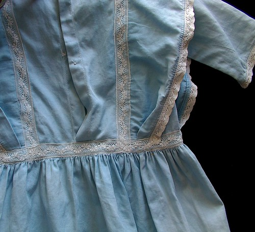 detail of back and lace