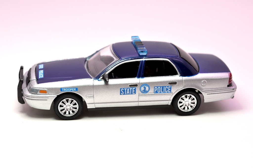 greenlight hot pursuit virginia state police crown victoria (4)