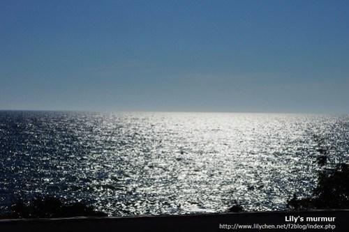公路旁的海岸,美麗的叫人睜不開眼!