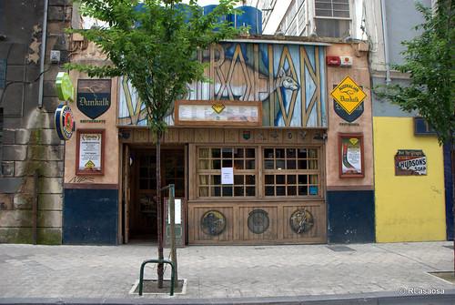 Fachada del bar australiano Dunkalk, en la calle Alhóndiga