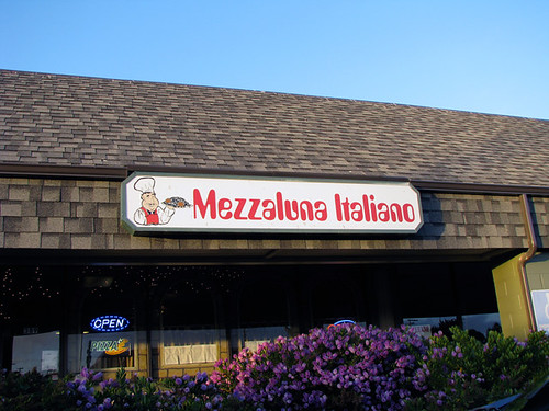 Road Trip Hit: Mezzaluna Italiano 1