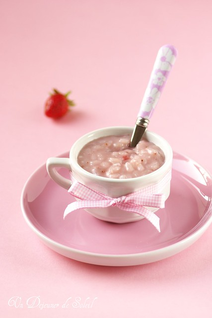 Coconut, strawberry and rose rice pudding