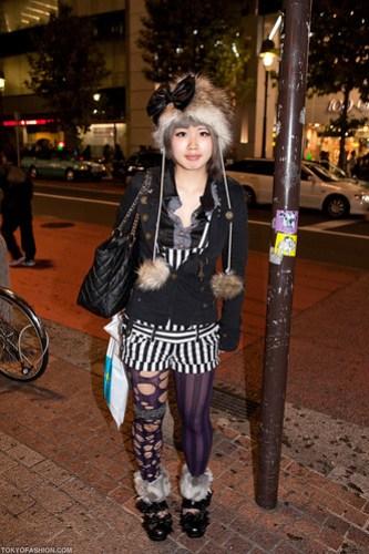 Furry Hat & Big Bow in Shibuya