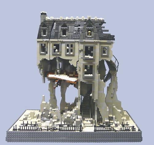 Lego 9 Inventors House