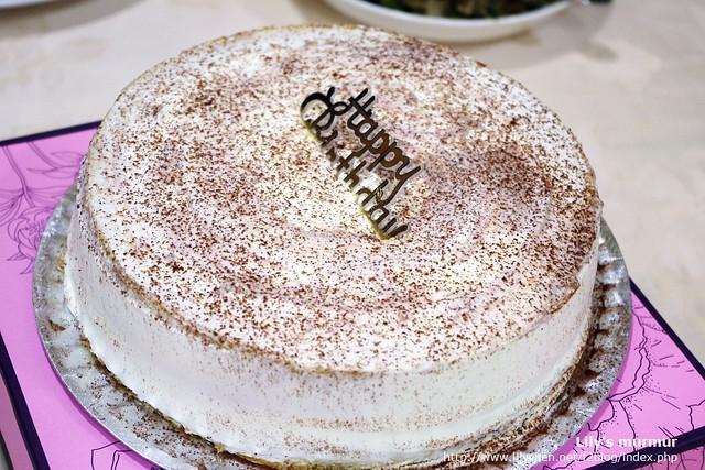 阿餅特製栗子戚風蛋糕,超美味的,一定要給個讚!