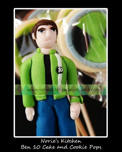 Norie's Kitchen - Ben 10 Alien Force Cake and Cookie Pops - Detail