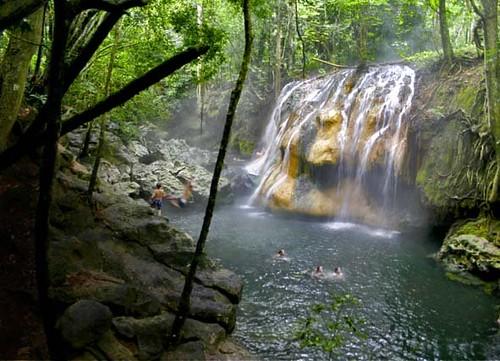 Heisser Wasserfall der Finca El Paraiso