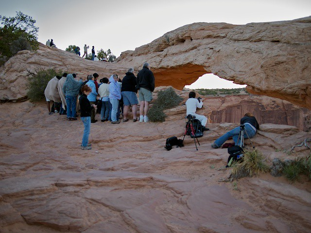 2010-09-06 2010.09.06 Canyonlands sunrise crowd 6
