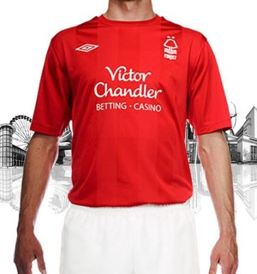 Nottingham Forest Umbro 2010/11 Home Kit / Jersey