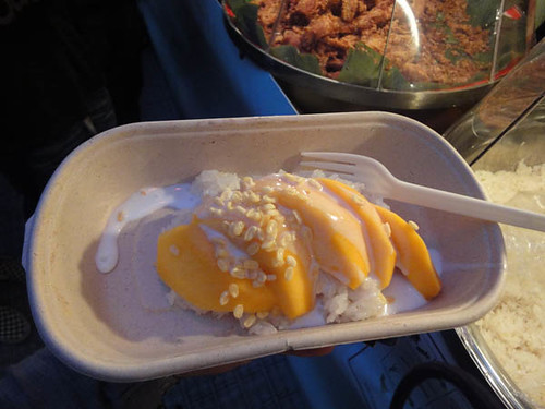 Night noodle markets: Sticky rice & mango from Chat Thai