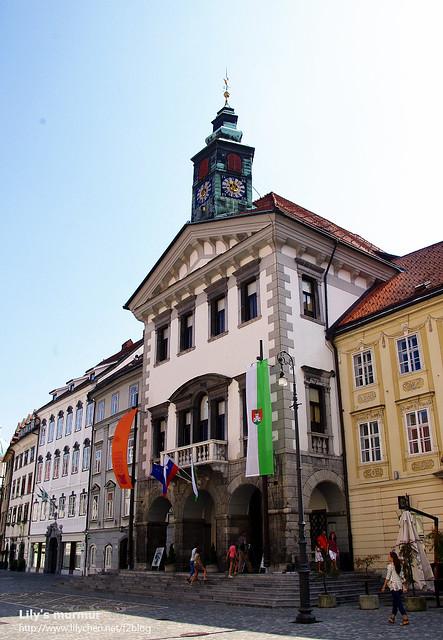 舊市政廳外觀,裡頭已經變成展覽館,值得進去繞繞。