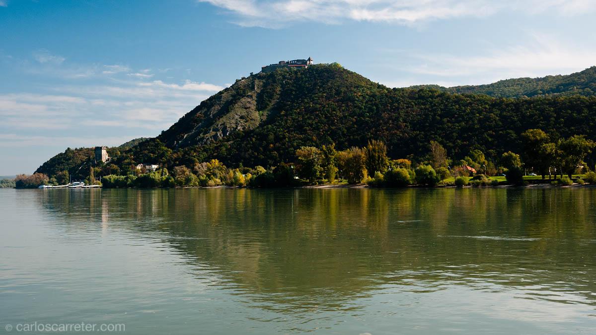 Visegrad desde el cruce del Danubio
