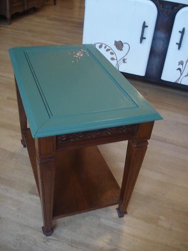 green wood flower table side
