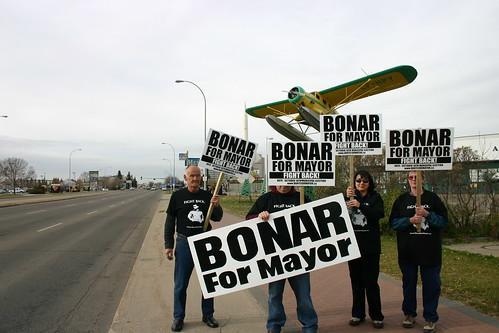 Daryl Bonar supporters